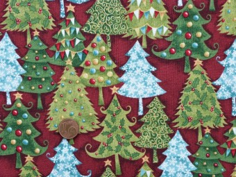 tissu patchwork noel fond rouge motifs sapins verts et bleus d cor s de rouges et jaunes. Black Bedroom Furniture Sets. Home Design Ideas