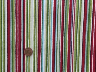 Tissu patchwork beige, rouge, vert et bleu