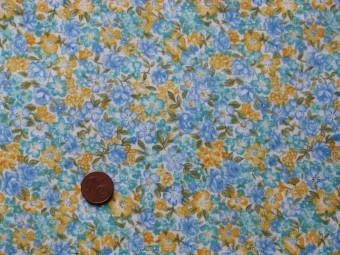 Tissu patchwork blanc, bleu, vert et jaune