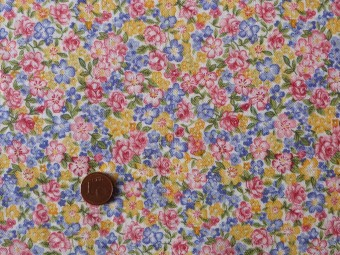 Tissu patchwork rose, bleu, jaune et vert
