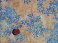 Tissu patchwork Batik beige et bleu